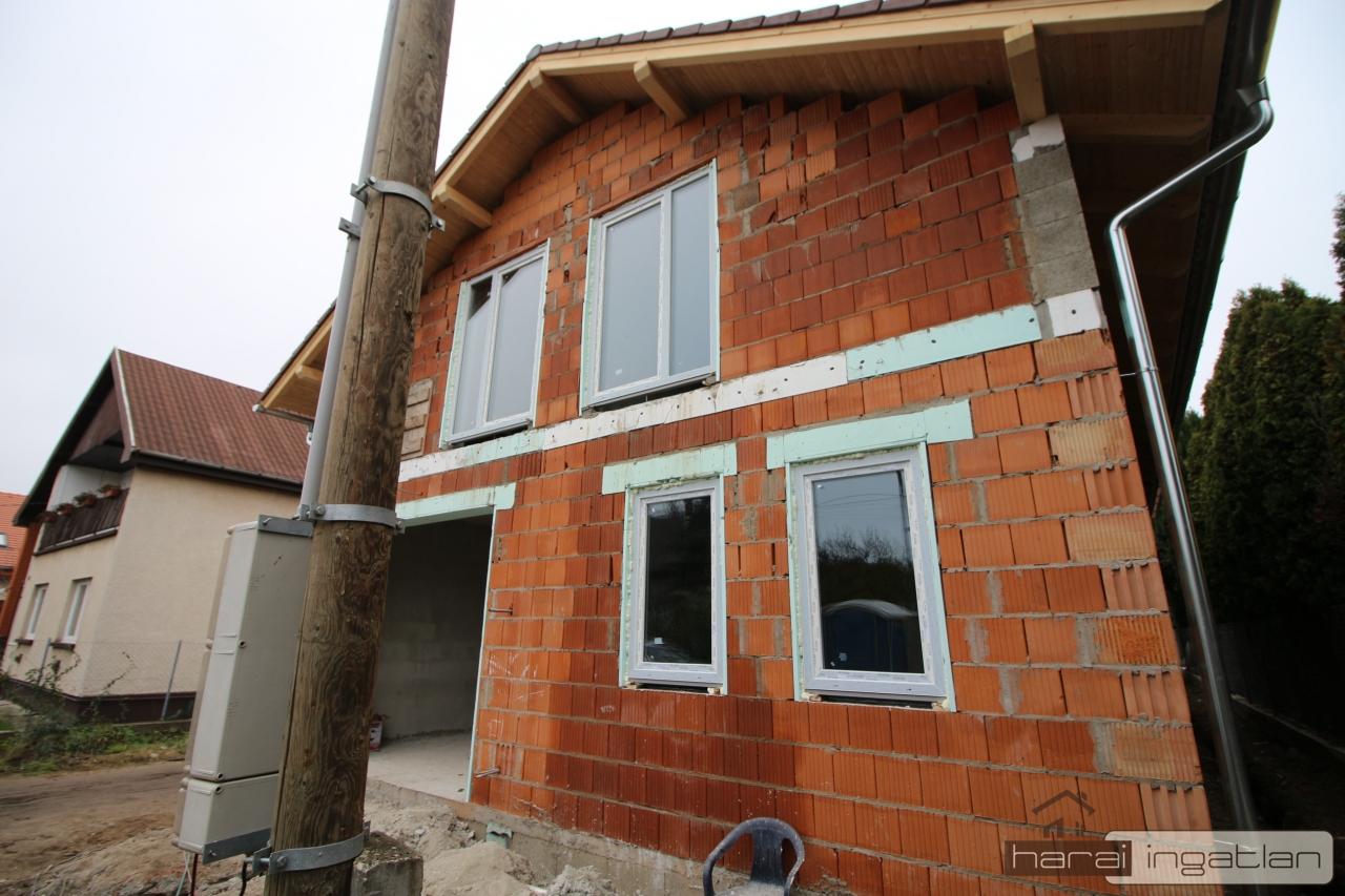 Fót Eladó Ház (#01012020130A)