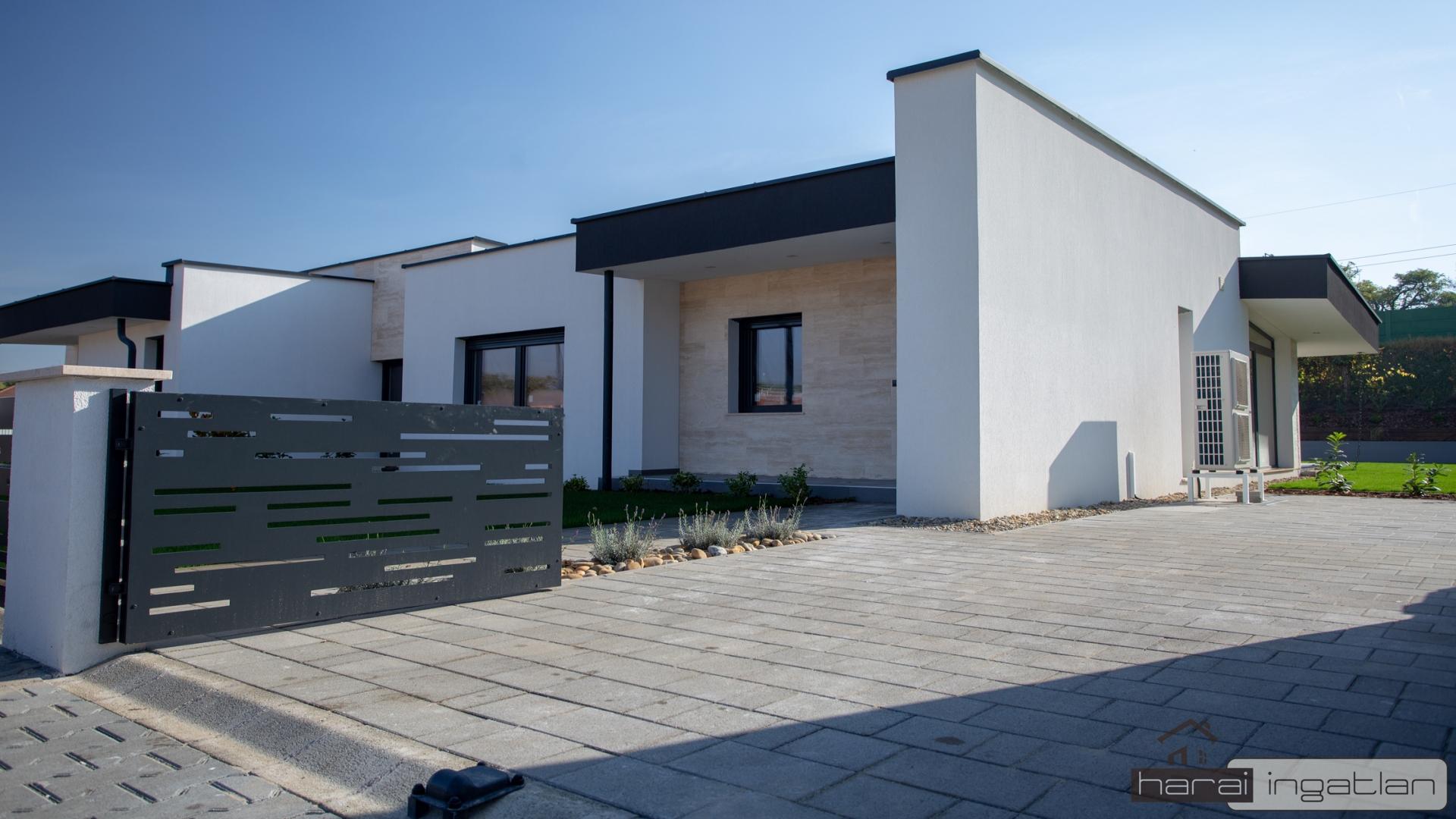 2151 Fót Eladó Ház (#0303201951)