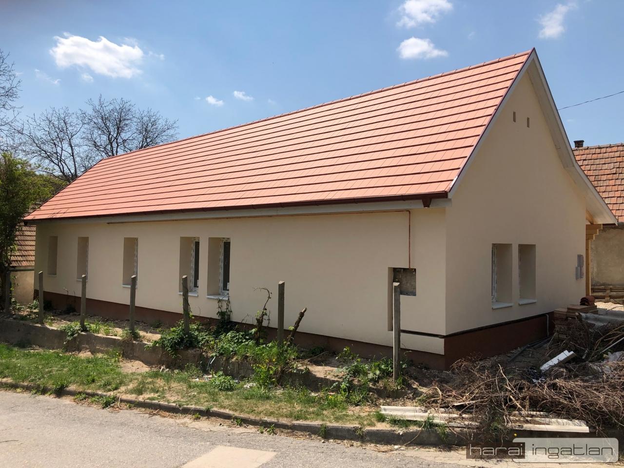 Kesztölc Eladó Ház (#0301202089)