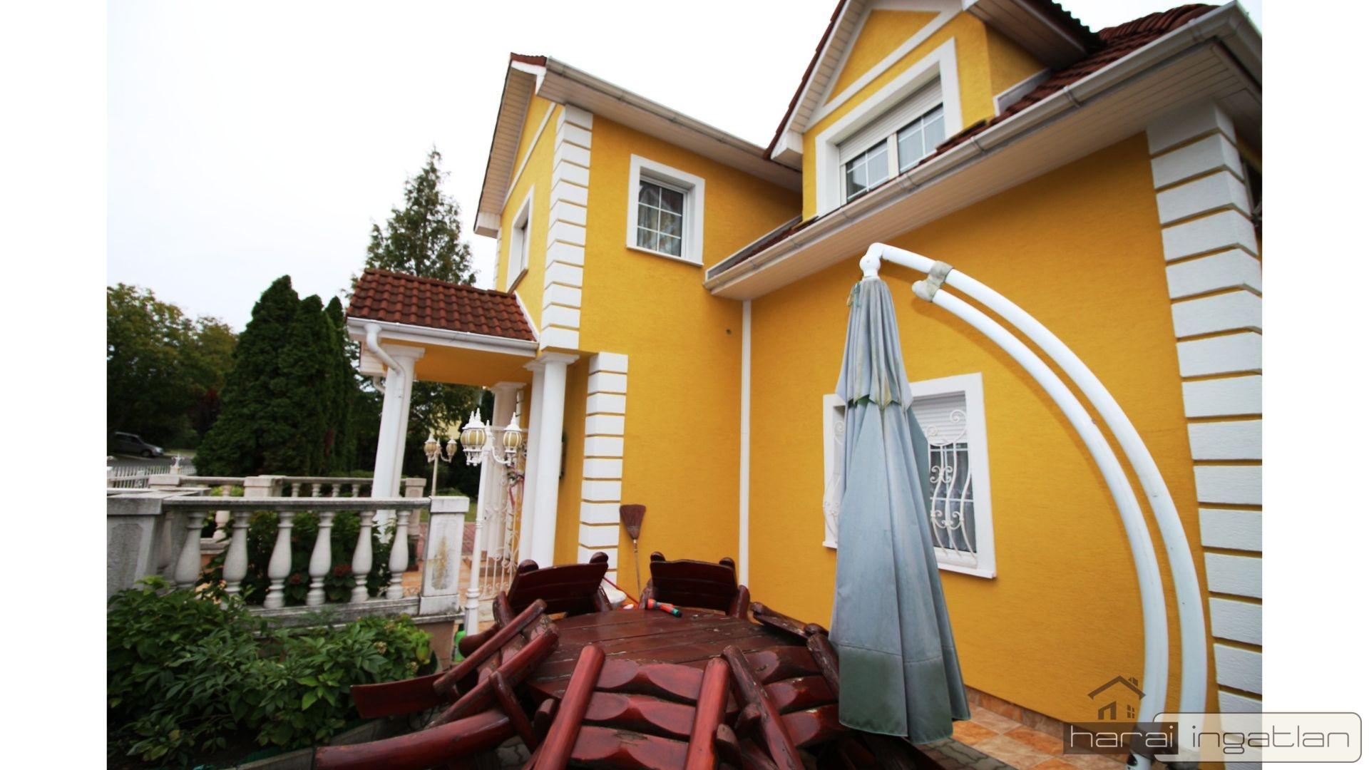2151 Fót Eladó Ház (#0102201951)