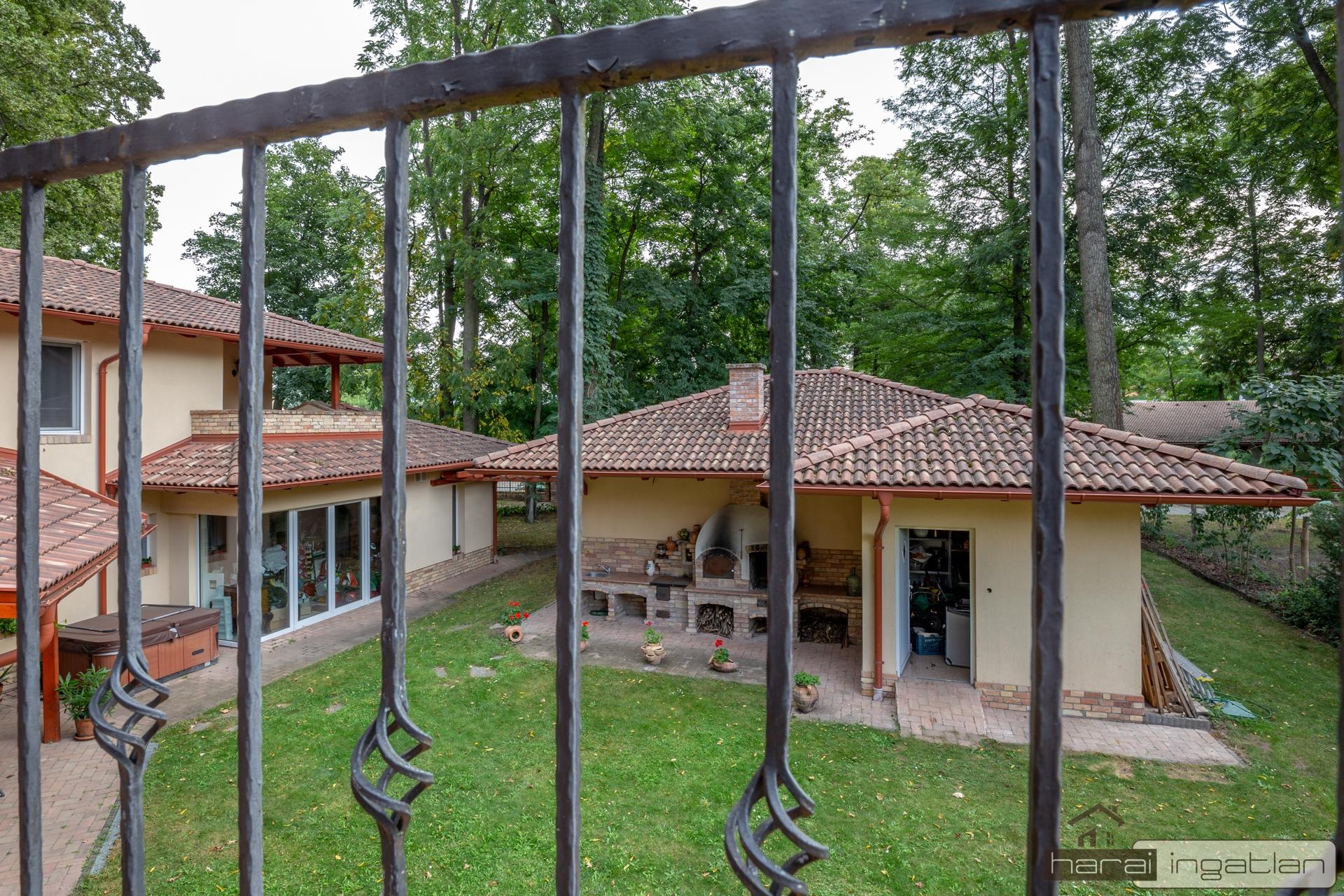 2151 Eladó Ház (#01012020127)